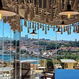 Vista do restaurante do hotel Torel Avantgarde